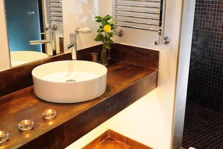 Double Room 408 - Montargil - Bed & Breakfast
