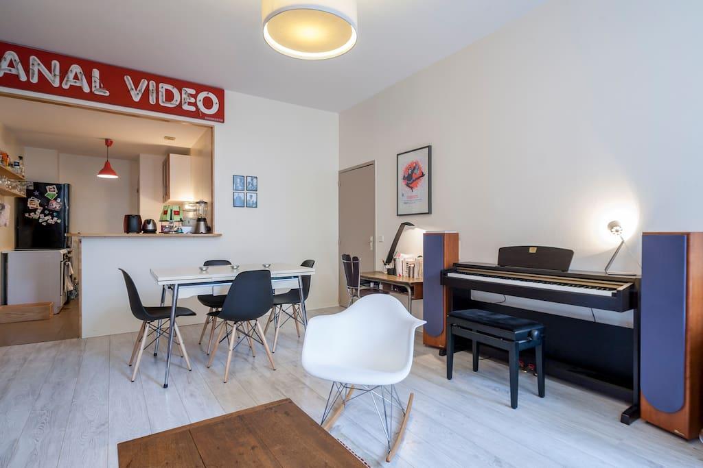 T3 vieux bordeaux centre 2 chambres appartements louer for Location appartement bordeaux centre t3