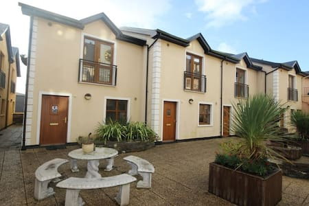 No 7 Clifden Court, Clifden - Clifden