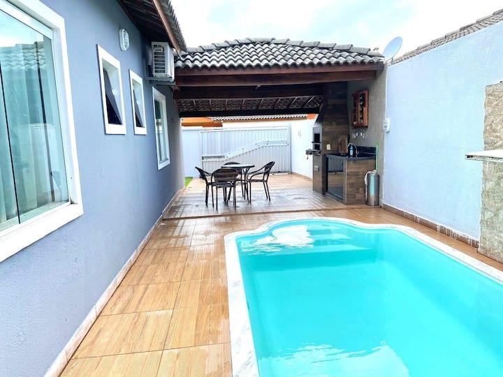Casa com piscina em Jaua