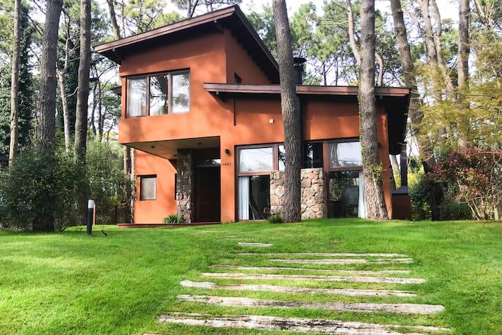 House in Pinamar: woods beach golf