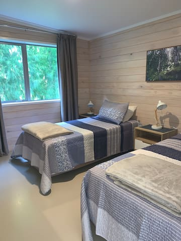The twin room with 2 single beds.