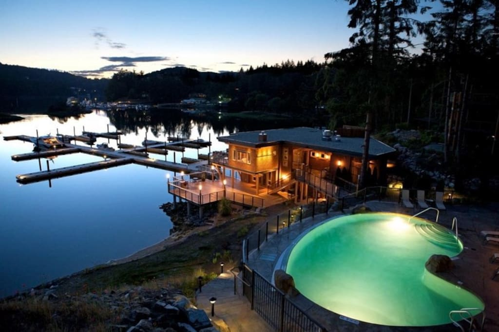 Painted Boat Resort Spa and Marina is set amongst 5 acres of lush greenery and water.