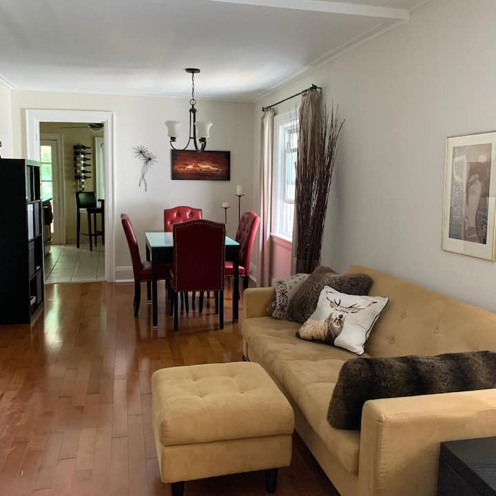 Beautiful 2-BR 2nd Floor Apt. in prime location!
