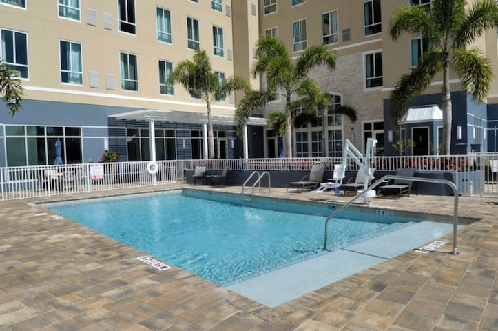 Hearing Accessible Suite   Free Shuttle, Pool + Gym Access