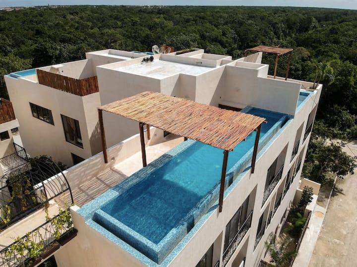 Studio 11 | Rooftop & Infinity Pool + 2 free bikes