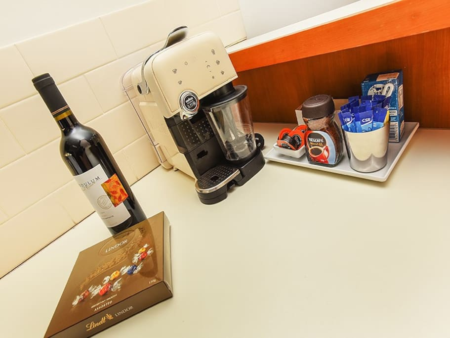 Coffee machine with extras