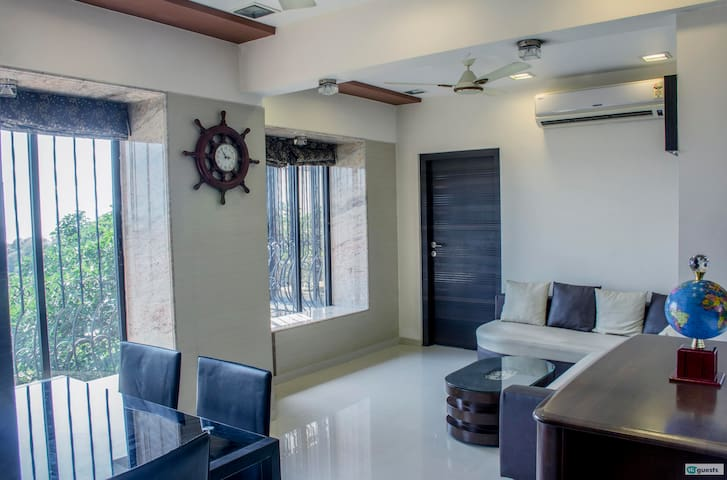 Seaview 02BHK near Bandstand in Bandra West
