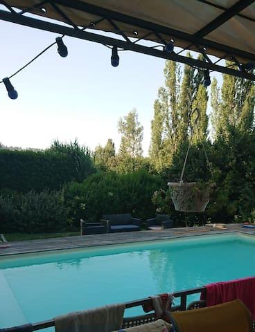 chambres dans villa avec piscine dans le Luberon