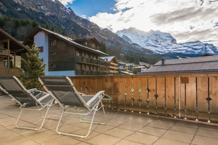 Gorgeous mountain home with majestic view - Lauterbrunnen - Wohnung