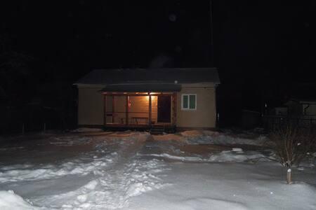 Уютный дом на выходные - imeni Vorovskogo - Ház
