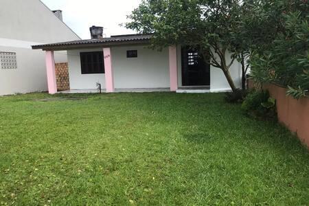 Casa simples em Areias Brancas, próx. Andreazza