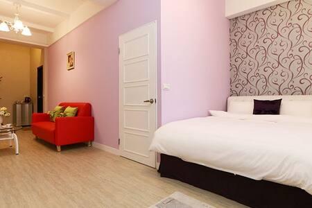 『樓尚』四樓甜蜜2人套房,羅東夜市內,交通方便、超大空間、步行可到車站 - 羅東鎮 - Bed & Breakfast