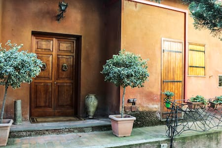 Apartment in cottage with pool - Formello