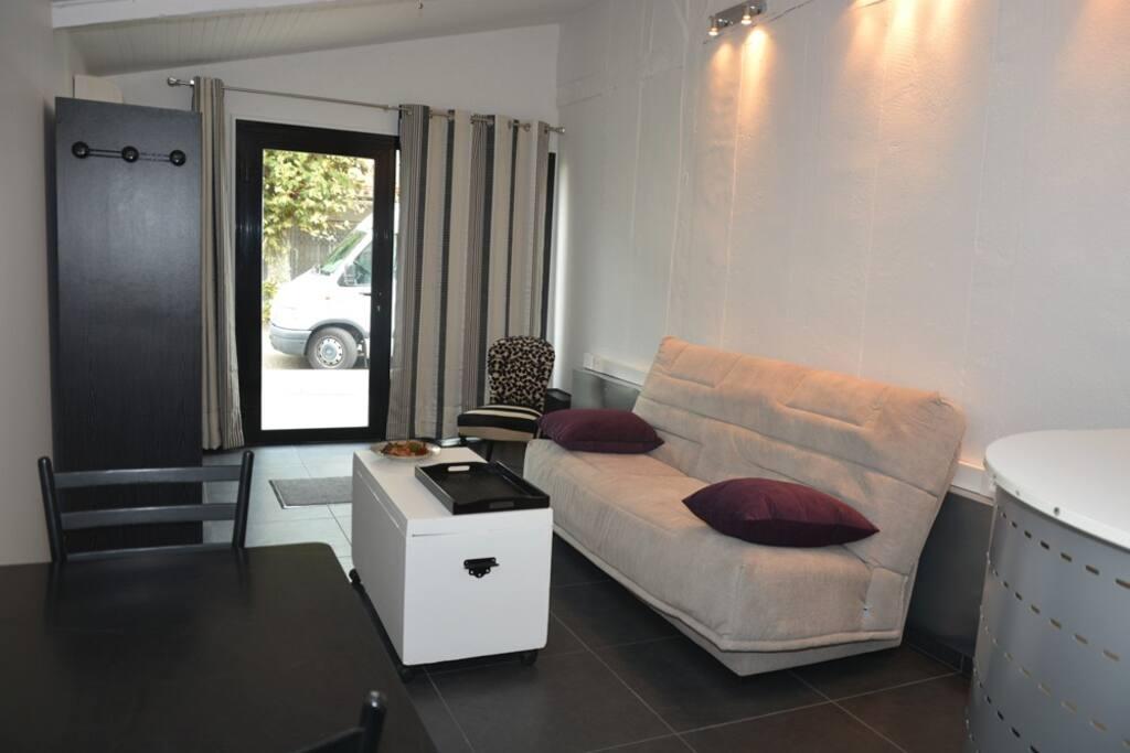 studio 30m2 meubl et ind pendant flats for rent in saint vincent de tyrosse aquitaine france. Black Bedroom Furniture Sets. Home Design Ideas