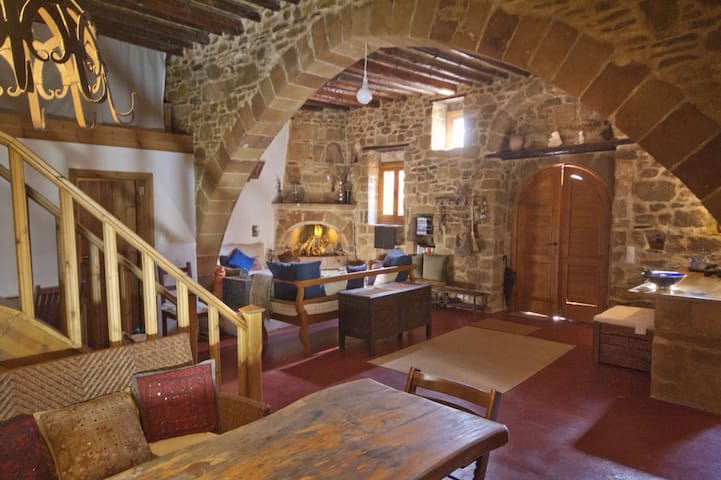 Great peaceful Traditional house - Rodos - Dom