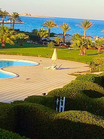 Villa for rent with pool on the Red Sea.Front line