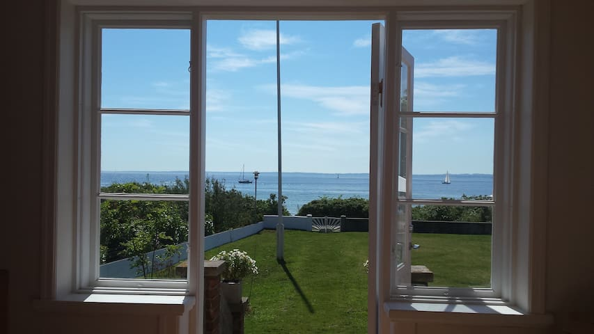 Beautiful beach side villa on Ven - Landskrona NV