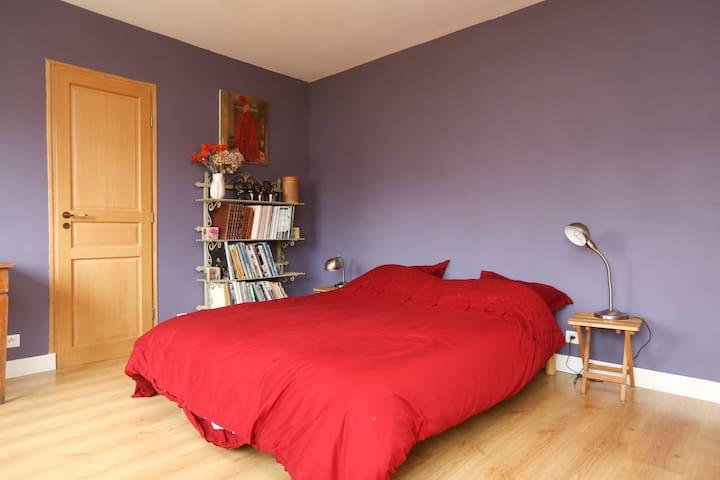 Chambre calme chez l'habitant - Vaucresson - Dom