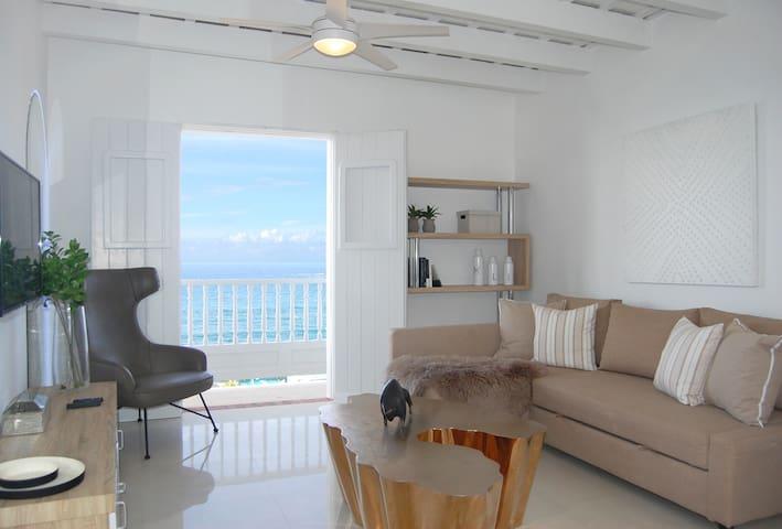 Glistening Ocean View Apartment in Old San Juan ☀