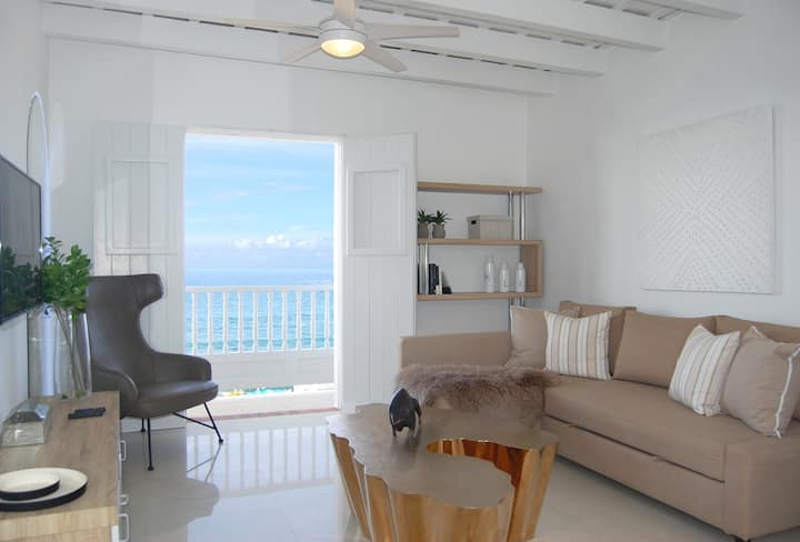 Glistening Ocean View Apartment in Old San Juan ☀