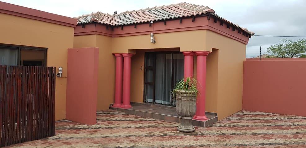Thavhani Guest House