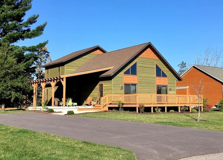 Aspen Chalet @ Spring Brook Resort | Incredible Two Story Chalet in Wis Dells
