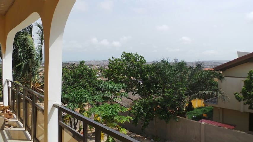 Becky's Bed & Breakfast (Room 1) - Accra - Bed & Breakfast