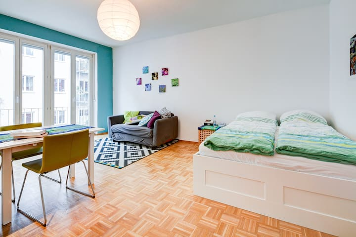 Heart of Munich, hip Maxvorstadt - Munich - Apartment