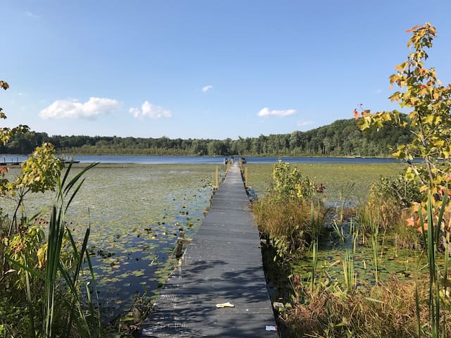 Rhinebeck cottage on the lake - Close to OMEGA