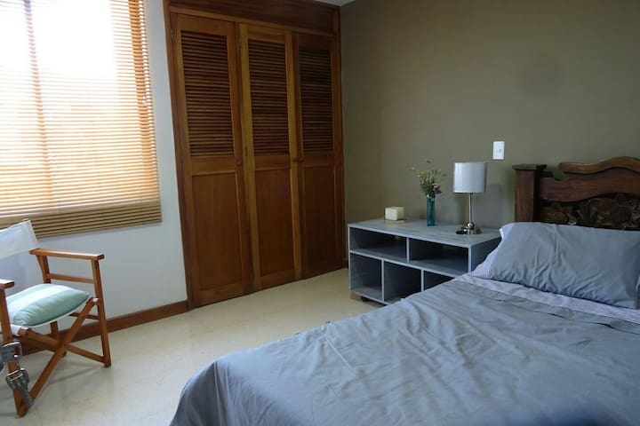 Habitación Belén-Laureles 2
