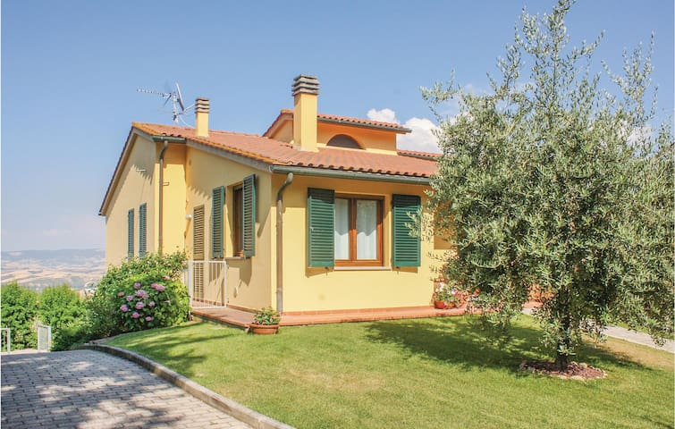 Semi-Detached with 3 bedrooms on 120m² in Lajatico -PI-