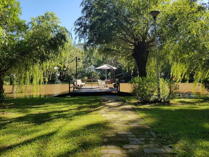Casa en el Delta con muelle propio y gran jardín