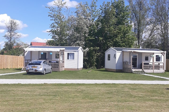 Compact 4 person chalet in Friesland