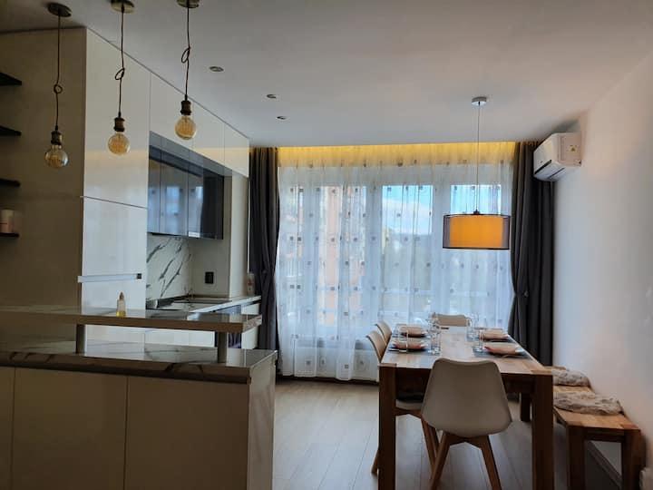 Луксозен апартамент на 10км от к.к Боровец с WiFi