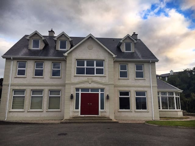 Luxury 10 bed Donegal Home