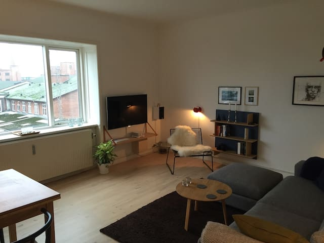 Lovely apartment near town n' beach - Aarhus - Pis