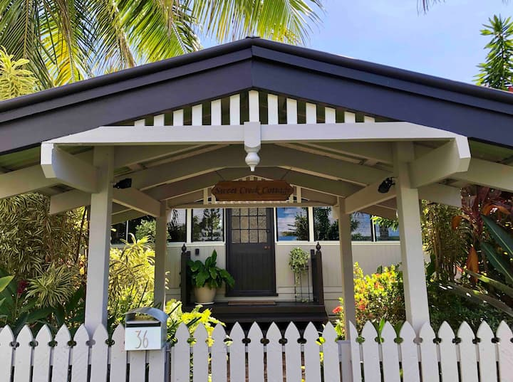 ♥Palm Cove Cottage♥ 200m to Beach & Cafes ★Pets★