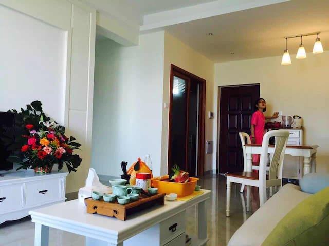 陵水县高档小区、两房两厅首次出租
