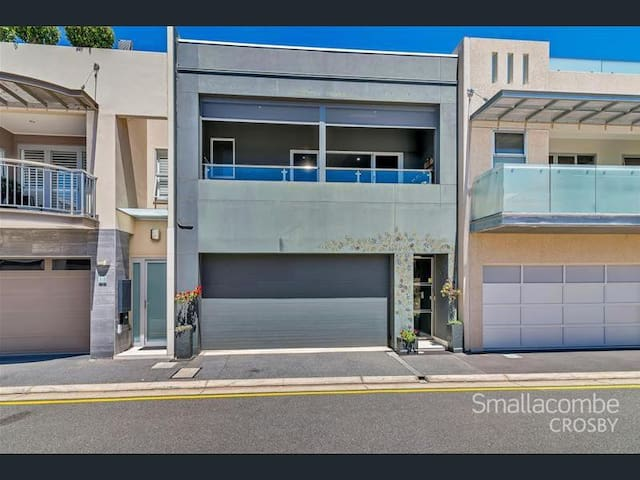 Quality   Space   Luxury   North Adelaide