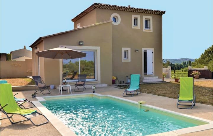 Stunning home in Barbentane with Outdoor swimming pool, WiFi and Outdoor swimming pool