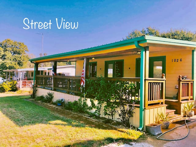 City Get Away ( only 1.20 min away from houston)