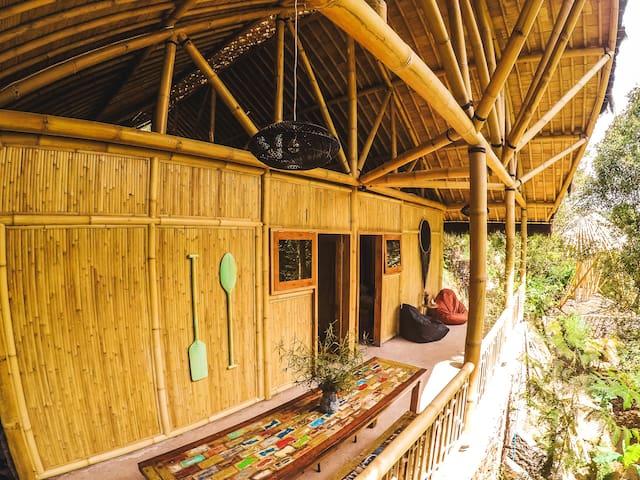Ekommunity Farmstay - Bamboo dorm bed