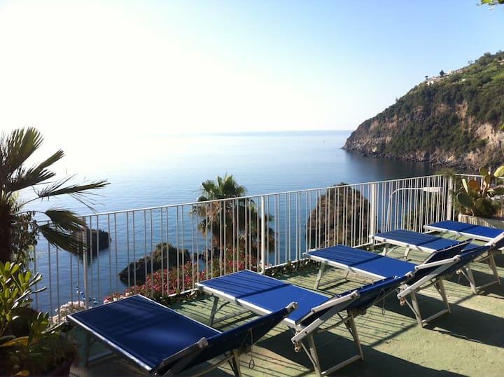 Ischia B&B close the sea  with pool