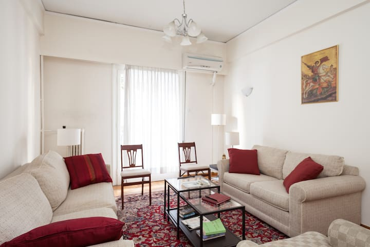 2 BR Central Athens-Gizi with WIFI - Athen - Lejlighed