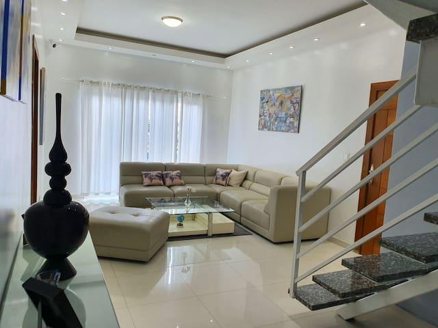 Apartamento Familiar de 2 niveles estilo Penthouse
