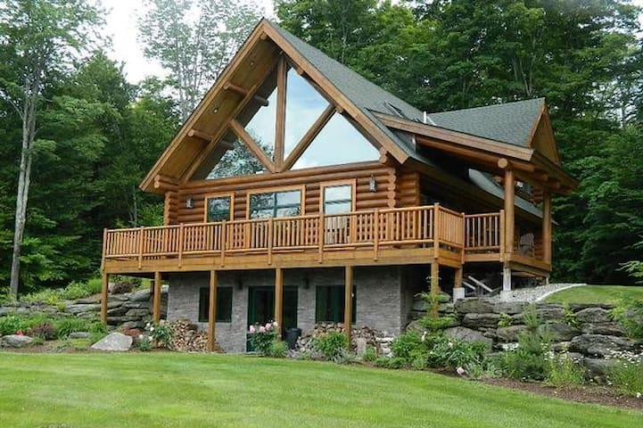 Olympic Lodge ~ Log Cabin in Stowe Hollow