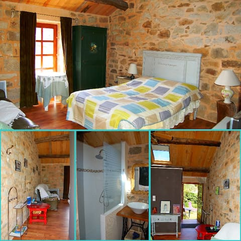 Ch'tite chambre - Saint-Beauzély - Bed & Breakfast