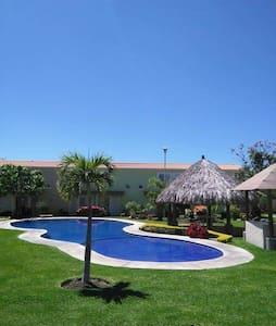 Casa Villa Mexico-Praga, en Morelos - Santa Rosa - Haus