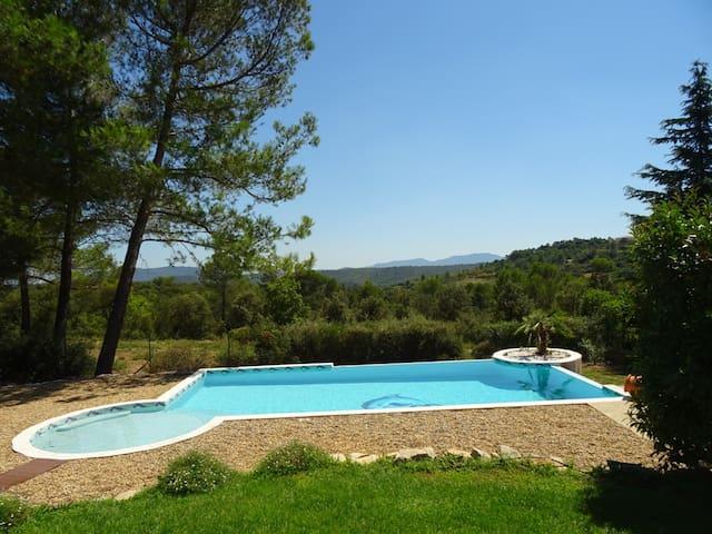 En Provence sous les pins - Seillons-Source-d'Argens - Hus